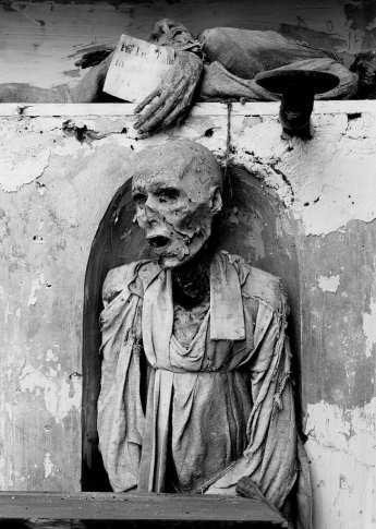 Catacombe dei Cappuccini Palermo 1997_schaelpic photokunstbar 08.jpg