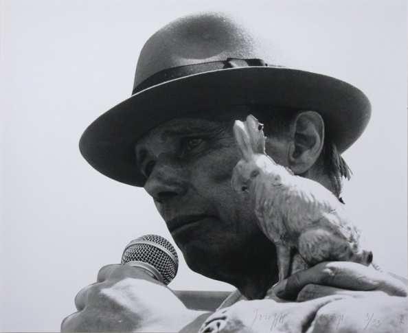 fotokunstler-der-galerie-ZOA-Beuys.jpg