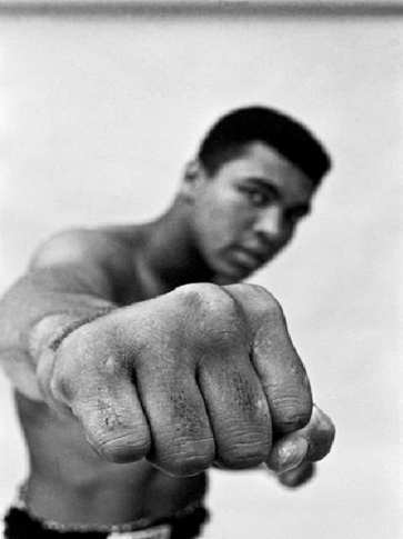 in-amerika-Hoepker-Muhammad_Ali-Fist-1966.jpg