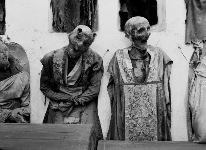 Catacombe dei Cappuccini Palermo 1997_schaelpic photokunstbar 10 .jpg